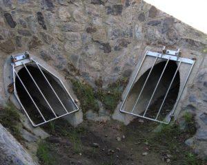 Kanal-Abdeckgitter eingebaut