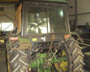Beschädigter Traktor